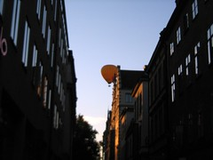 Hot air balloon over stockholm (ClockworkBlueJayJr.) Tags: great pics baltic russia gauigan chicken latvia old bay holocaustbaltictbs food flowers europe sweden visby riga water ocean sea statue astronaut radio oldworld cars inlay museum cool pictures beauty amazing organized tomatoes art amber statues sun sets really please look them photos rustic piknik
