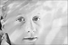 Liselot  ( Explored #460) (Pjotre7 (www.maartenvandevoort.nl)) Tags: portrait texture girl face photoshop eyes pretty gray daughter lips layer highkey freckles ogen portret lippen liselot sproeten modelyoung pjotre7