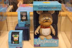 D23 Expo 2011 Special Vinylmation (partyhare) Tags: pins disney convention merchandise exclusive davycrockett d23 2011 gladstonegander dreamstore vinylmation d23expo