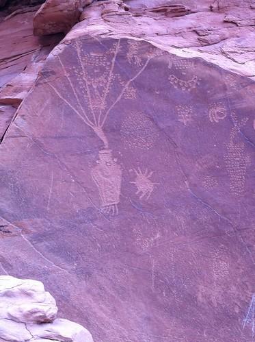 Dinosaur Petroglyphs (1)