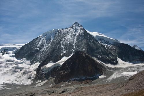 To Cabane des Dix and the Glacier de Cheilon