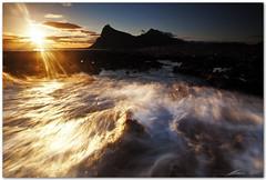 floating light (chris frick) Tags: light sun seascape filter lee sicily sanvitolocapo canonef1635mmf28liiusm chrisfrick canon5dmark2 03soft 075hard