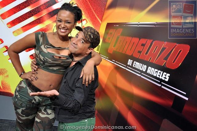 Venya Carolina con Emilio Angeles en El Candelazo