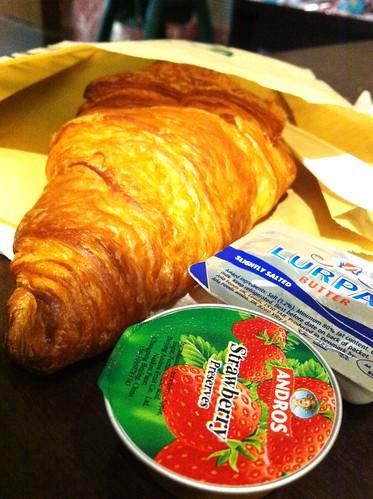 starbucks croissant