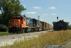 CN M337 at Genoa, IL (wales23us) Tags: cn ic illinois il genoa depot canadiannational gp382 sd70 m337 exic iowadivision genoail ic1018 cn9619 cntrainm337 icdepot