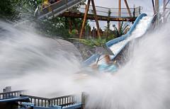 """Splash"" (WvB Photography - The Sky Is The Limit) Tags: denhaag amusementpark rollercoaster waterslide thehague pretpark drievliet"