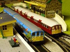 Model Railway (Richard and Gill) Tags: isleofwight efe tubetrain modelrailway 00gauge oogauge islandline 1938stock