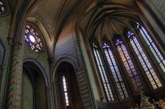 Iglesia de Carcasonne (J.Gutirrez) Tags: france canon d frana 500 francia vidrieras hdr carcasonne parroquia religin