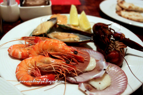 Spice Market seafood platter 01