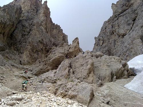 Klettersteig inmitten der bleichen Berge
