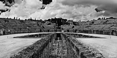 Remembering old times... (IX) - Amphitheatre of Italica (Artigazo ) Tags: bw panorama espaa monochrome canon monocromo interestingness sevilla spain espanha galeria tunnel panoramic seville andalucia bn explore andalusia tunel espagne sville spanien spagna andalousie gladiator panoramique virado panormica italica sevilha  siviglia romanamphitheatre santiponce  gladiador panormico panormico imperioromano anfiteatroromano explored itlica eos450d  241054lis sevillan panoramisch hispalis   rememberingoldtimes   sevillban artigazo afiteatrodeitlica italicasamphitheater amphitheatreofitalica theromanamphitheatreatitalica amphithtreditalica amphitheatervonitalica anfiteatroemitalica