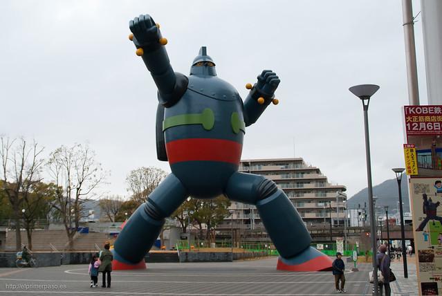 Estatua de Tetsujin 28 en Kobe