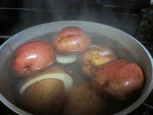 boiling the potatos
