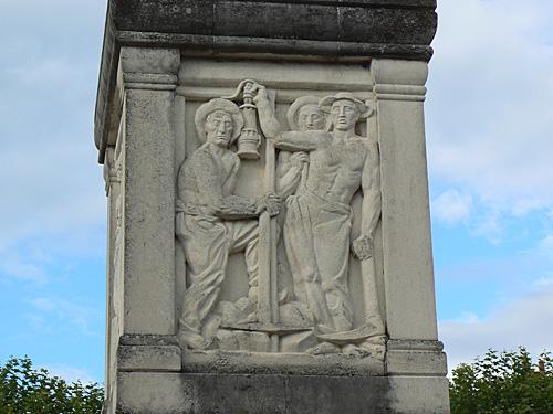 montceau les mines, monument Bourdelle 1.jpg