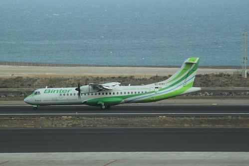 Binter Canairias ATR72 EC-KRY