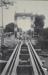 Opening spoor