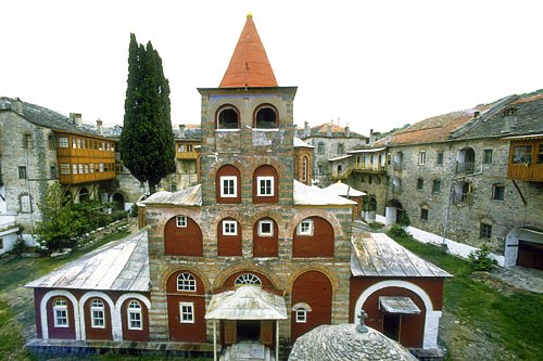 Vista de adentro del Monasterio Philotheous