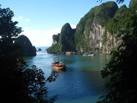 Viewpoint on the tour to Halong Bay