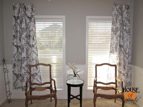 testing_black_white_curtains_piano_room_08