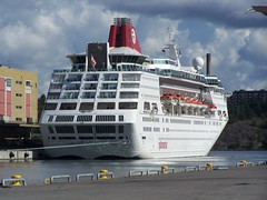 Empress (2) (tompa2) Tags: stockholm empress sverige vatten lidingö hav uppland fartyg kryssningsfartyg