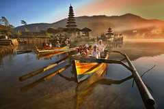 Bedugul, Bali - Ferrying the Ogor Ogor from Pura Ulun Danu (Mio Cade) Tags: morning boy bali lake ferry temple boat kid prayer transport holy procession pura ulun danu bedugul ogor abangan