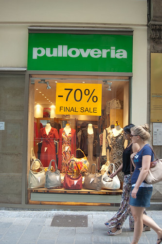 "pulloveria • <a style=""font-size:0.8em;"" href=""http://www.flickr.com/photos/47339367@N06/6117597491/"" target=""_blank"">View on Flickr</a>"