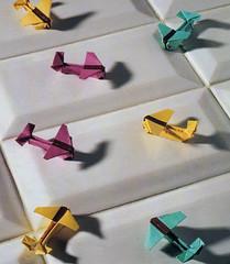"Origami création - Didier Boursin - Avions ""correspondance"""