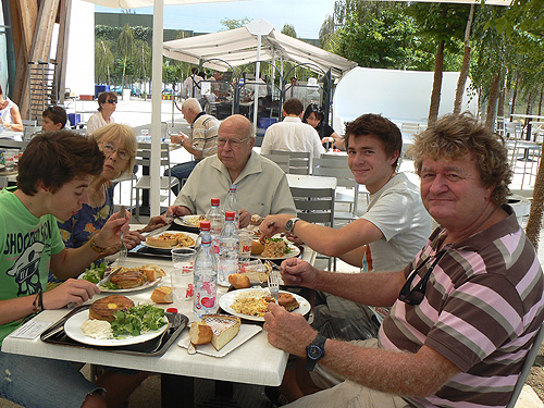 cafet du musée pompidou à Metz.jpg