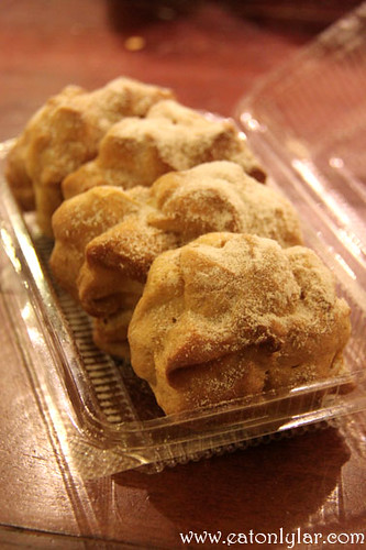 Durian Cream Puffs, Sumptuous Desserts