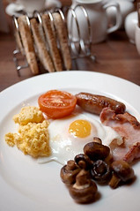 Full English Breakfast (Long Sleeper) Tags: uk food breakfast hotel unitedkingdom leeds diningroom fullenglishbreakfast westyorkshire themethotel dmcgf1