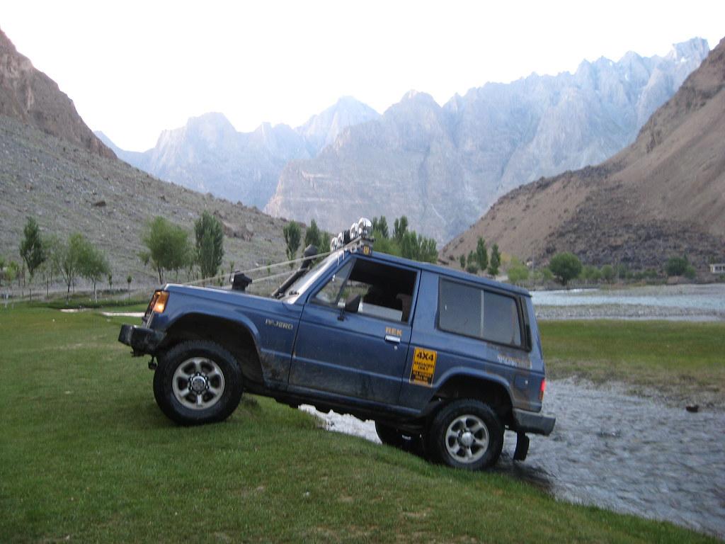 Team Unimog Punga 2011: Solitude at Altitude - 6130114507 087a796110 b
