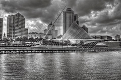 Milwaukee Art Museum (Catoctin Vigneron) Tags: blackandwhite milwaukee artmuseum hdr singleraw