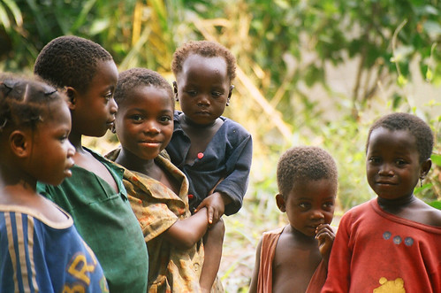 African children, photo by WorldFish, 2005