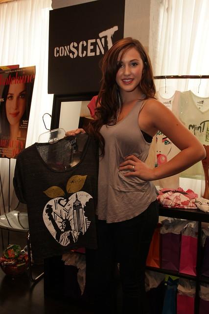 Alyssa Reid and a ConScent T-shirt
