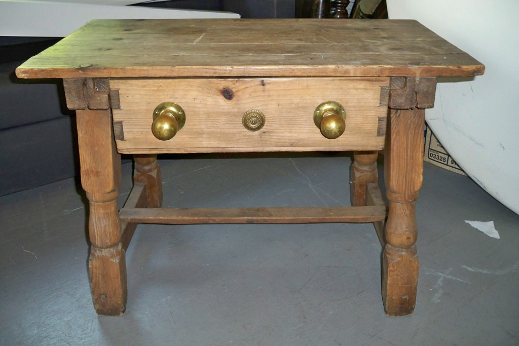 rustic coffee table w/ drawer