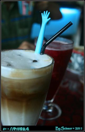 冰咖啡 + 桑葚冰沙