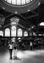 STORIES. The tourist (matoses) Tags: light luz valencia market mercado centralmarket mercadocentral matoses
