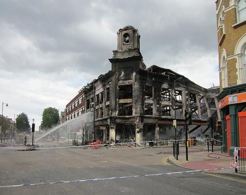 London Riots - Differenza tra LA Riots e London Riots
