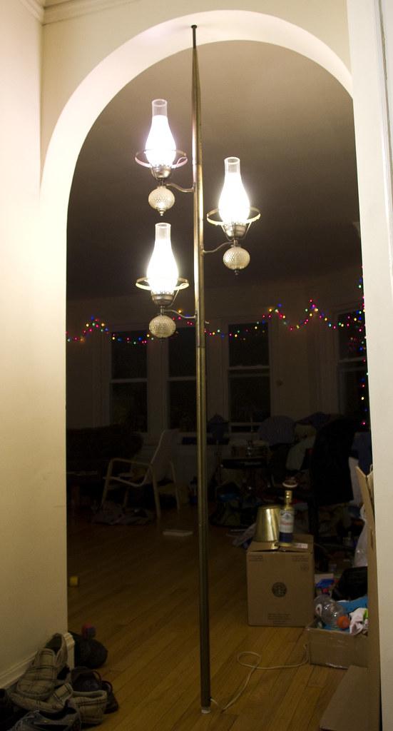 Tension Pole Floor Lamp
