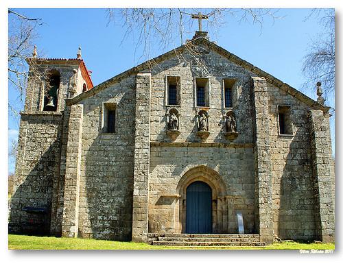 Fachada da igreja de Fiães (Igreja de Santo André) by VRfoto