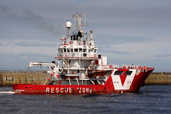 VOS Defender (calzer) Tags: rescue offshore vessel standby aberdeen defender vos vroon errv