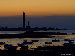 Phare de l'le Vierge II (Jordi Bri) Tags: sea costa mer lighthouse france water night port faro puerto coast mar agua shot harbour tide low frana ile bretagne olympus breizh virgin nocturna baja baixa cote britanny islan francia far phare isla virgen bajamar aigua tides verge marea basse nocturn bretaa finistere vierge e510 marees porz mareas pennarbed plouguerneau bretanya grach plougerne jordibrio