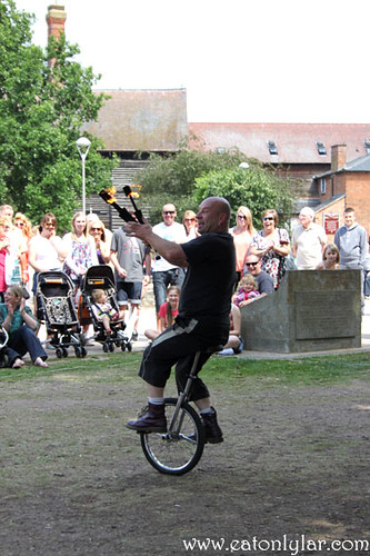 Street performer, Stratford-upon-Avon