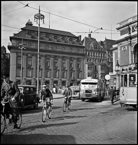 Trafiic at Gustav Adolfs torg in Stockholm 1947