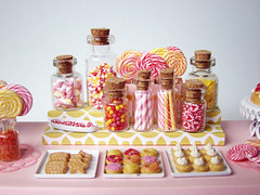 Miniature Candy Dessert Table (PetitPlat - Stephanie Kilgast) Tags: pink sculpture art miniatures candy polymerclay fimo happybirthday minifood lollipop candies bonbon dollhouse dollshouse sucredorge miniaturefood desserttable fauxfood miniaturen oneinchscale patepolymere petitplat stephaniekilgast