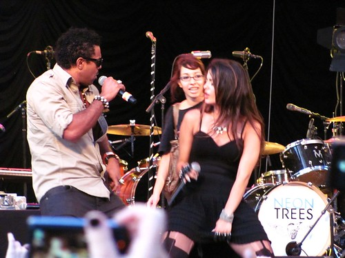 Shaggy and Bebe Rexha of The Black Cards on stage at Rumsey Playfield Central Park New York with Panic at the Disco and Neon Trees © rufus