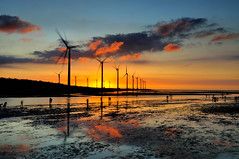 Kaomei Wetland  (Vincent_Ting) Tags: sunset sea sky reflection beach water windmill silhouette clouds seaside taiwan windmills  formosa   windturbine crepuscularrays wetland  windturbines             formose   colorfulbeach vincentting