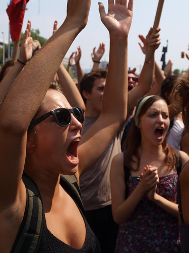 Greek students take to streets in protest against controversial education reform bill