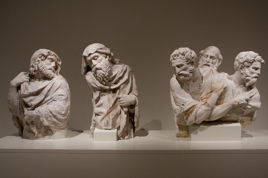 Statues in Museo de Catalunya