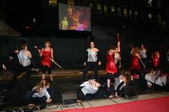 Grupo be bailarinas realizando su función